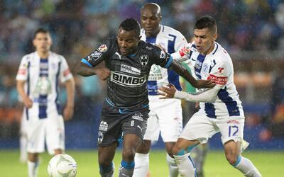 Pachuca tiene ventaja de un gol sobre Monterrey