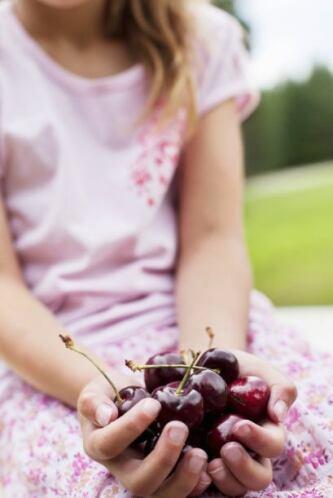 Una taza de cerezas tiene tan solo 87 calorías, 22 gramos de carbohidrat...