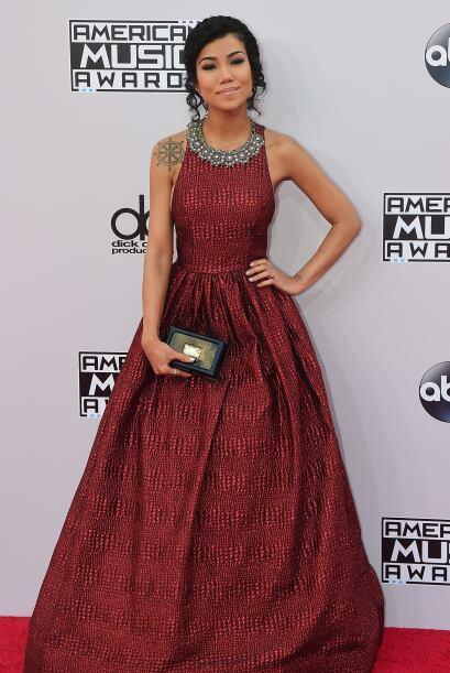 Jhene Aiko también pensó que los AMA's eran como el Oscar.