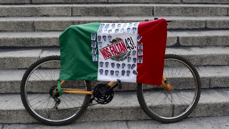 Los 43 desasparecidos de Ayotzinapa.