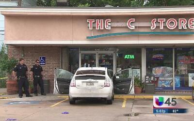 Guardia baleado en una gasolinera