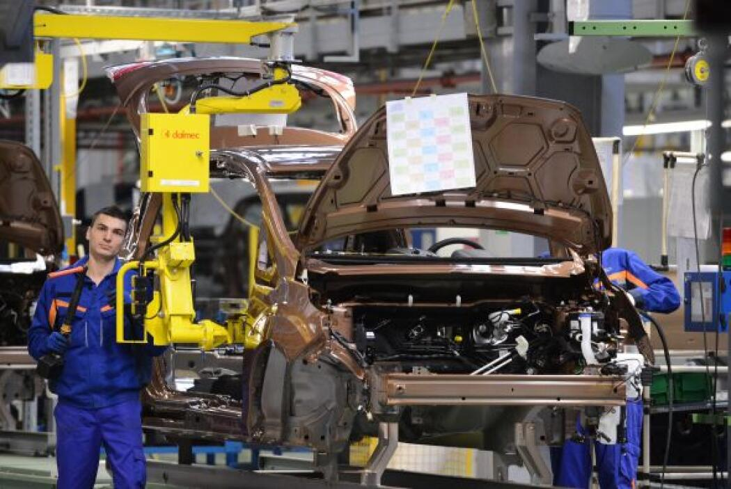 FORD- La compañía estadounidense de automóviles suprimirá 1,400 empleos...