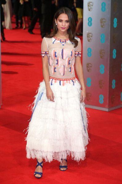 A pesar de su belleza Alicia Vikander no pudo estar entre las mejor vest...
