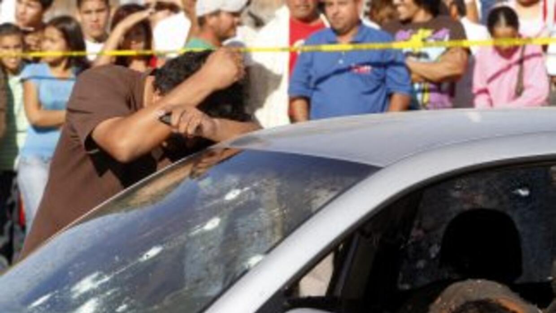 Los siete cadáveres fueron hallados al interior de un vehículo, el del h...
