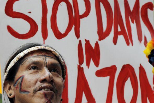 Agregó que la ocupación fue promovida por 120 indios y pescadores que am...