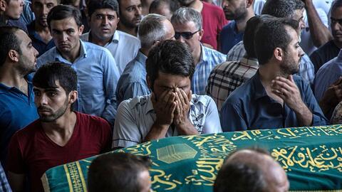 Entierro de una de las víctimas del ataque yihadista en una boda en Turquía