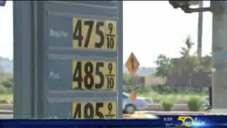 Increíble aumento de precio de gasolina en LA