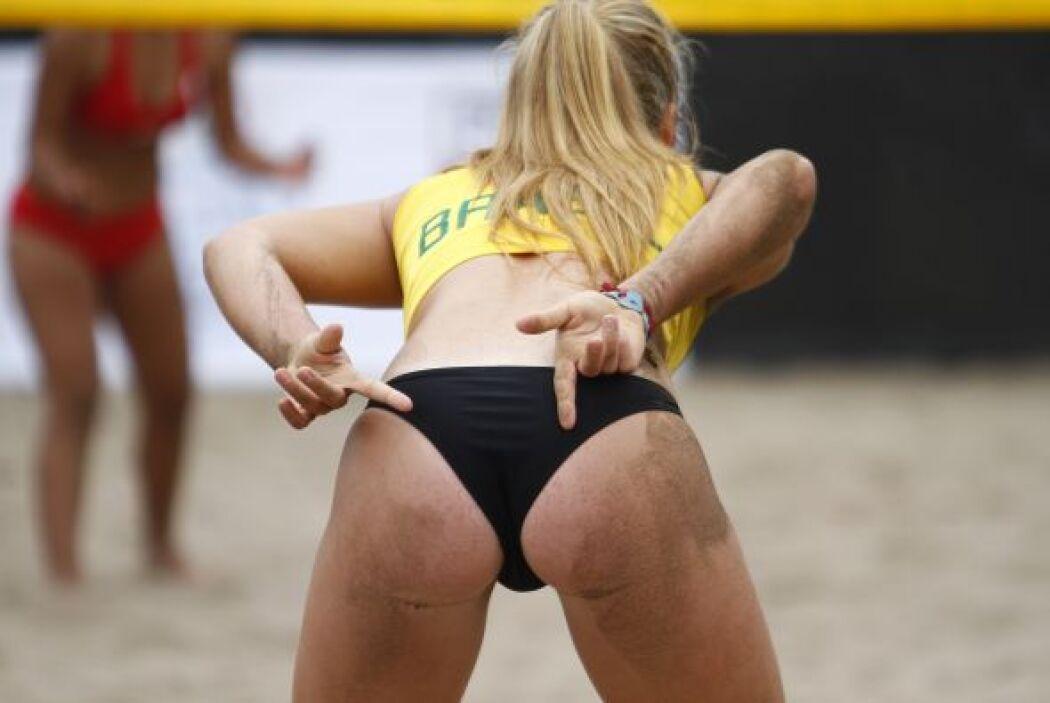 El voleibol es uno de los deportes que las mujeres sudamericanas practic...