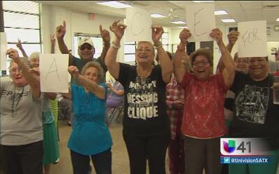 Univision 41 lleva alegría a adultos mayores