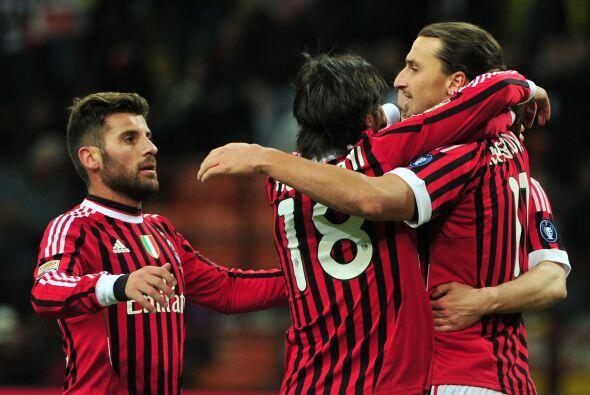 Y el Milán festejó la victoria, y la punta del torneo.