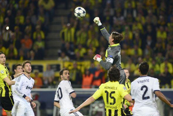 Luego de ese tanto, los españoles se lanzaron en busca del empate, pero...