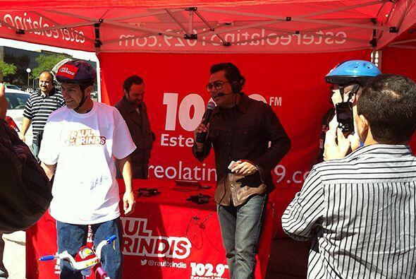 Y el ganador fue Juan Morales.Escucha El Show de Raúl Brindis por...