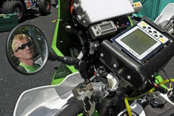 El noruego Pal Anders Ullevalseter posó en su moto durante las pr...