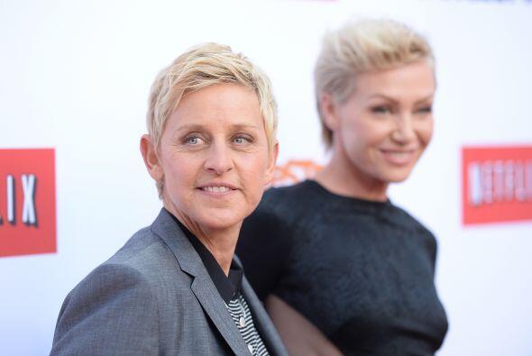 10. Ellen DeGeneres  Ganancias netas: $56 millones.  Presencia en ra...