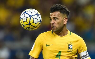 "Dani Alves, sobre Luis Suárez: ""Con jugadores así, mejor que se queden e..."