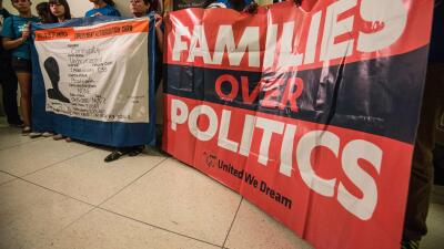 Maribel Hastings: Rubio, el camaleón migratorio GettyImages-Families-ove...