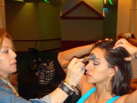 Las chicas de Nuestra Belleza Latina son bellas pero el maquillaje las h...