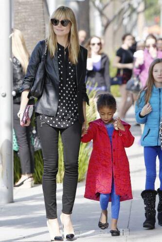 La vimos paseando con todos sus hijos. Más videos de Chismes aquí.