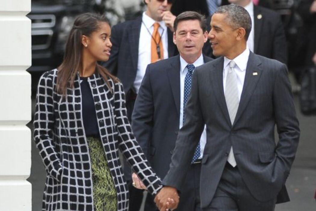 Al presidente lo vimos con un traje gris, muy serio pero adecuado para l...