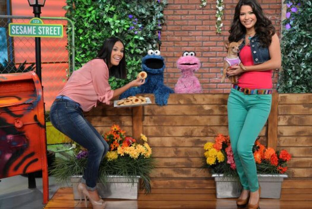 Ana Patricia y Karla comieron galletas con Cookie Monster y Lola, ¿hay a...