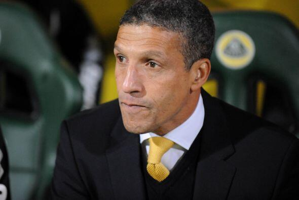 Los jugadores elegidos son dirigidos por el entrenador inglés Chr...