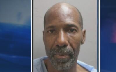 Arrestan al sospechoso de asesinar a su esposa y a otro hombre en Houston