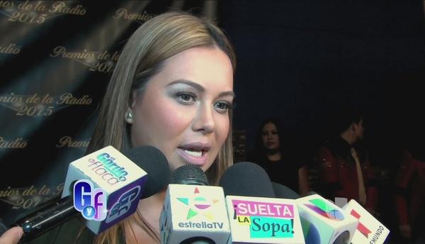 A Chiquis Rivera le dio ganas de llorar cuando vio a Larry esposado