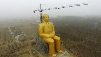 Estatua gigantesca de Mao