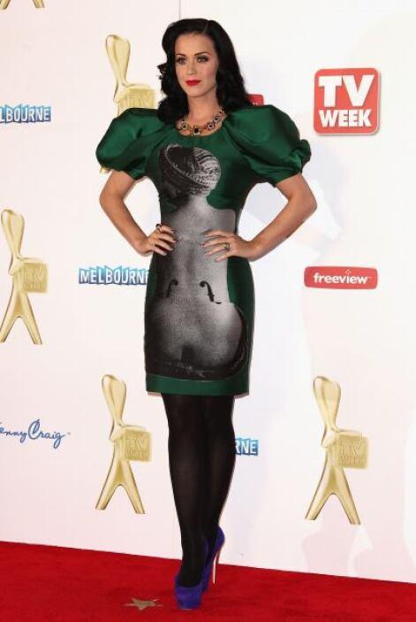 Esta mujer es una camaleónica de la moda, su estilo ha cambiado tanto qu...