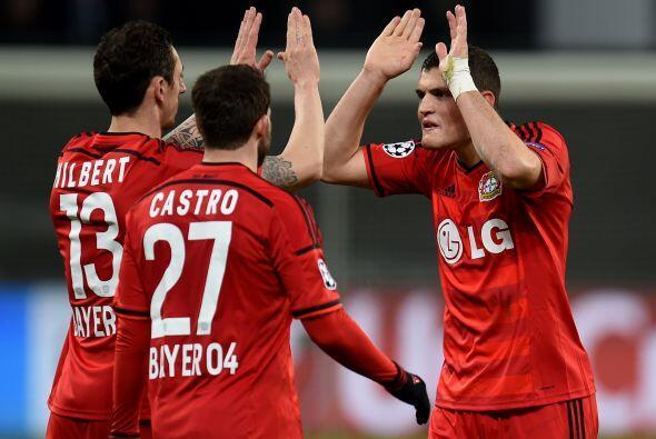 En Alemania el conjunto del Leverkusen sacó una ligera ventaja co...