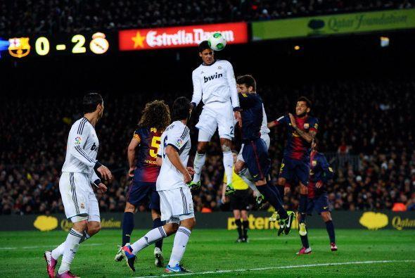 Al minuto 17 de la segunda parte Varane hizo el tercero del Madrid con u...