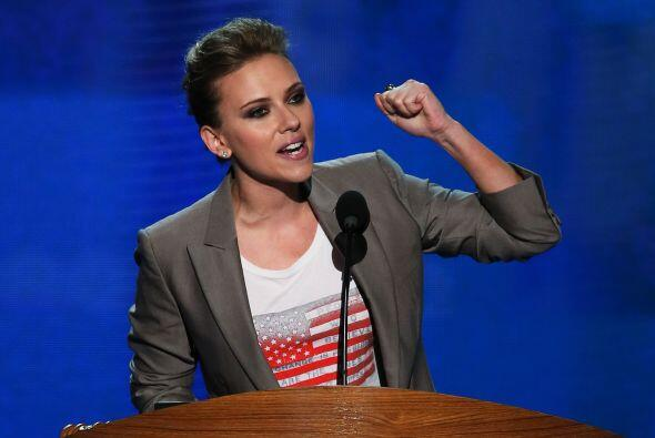 De la misma manera, Scarlett Johansson, junto con  Eva Longoria y Kerry...