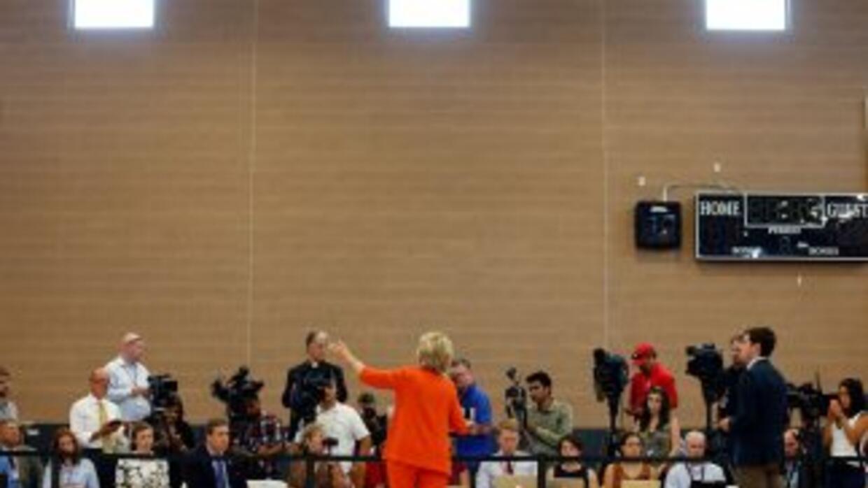Clinton atendió a la prensa en Nevada este martes, con algunas preguntas...
