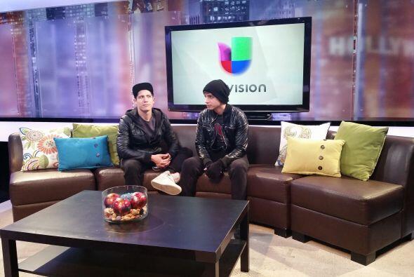 Primero vamos a unas entrevistas con el canal en Los Angeles.