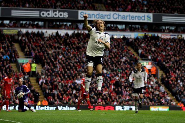 El croata Luka Modric redondeó un buen partido y marcó el...