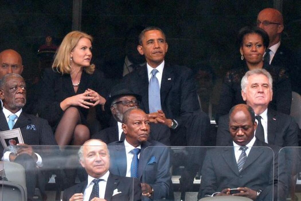 Por más que el mandatario y su colega danesa platicaban, Michelle Obama...