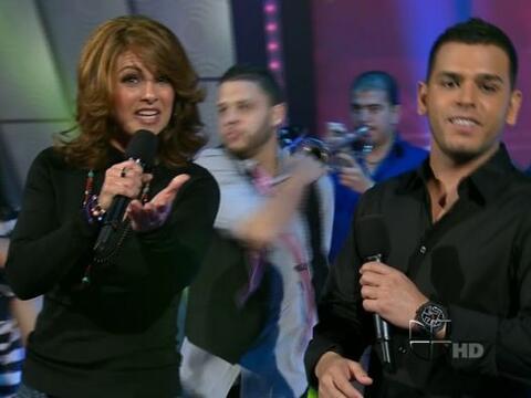 Lucero y Tito El Bambino se reunieron para cantar 'Llueve el amor'.