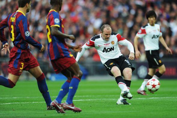 Pero a los 33' apareció Rooney y no perdonó.