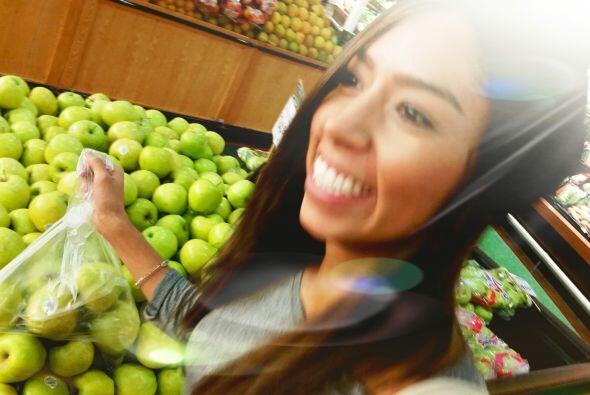 Mmmmm, ¡qué delicioso está esto! No puedo vivir sin manzanas. #Apples #F...