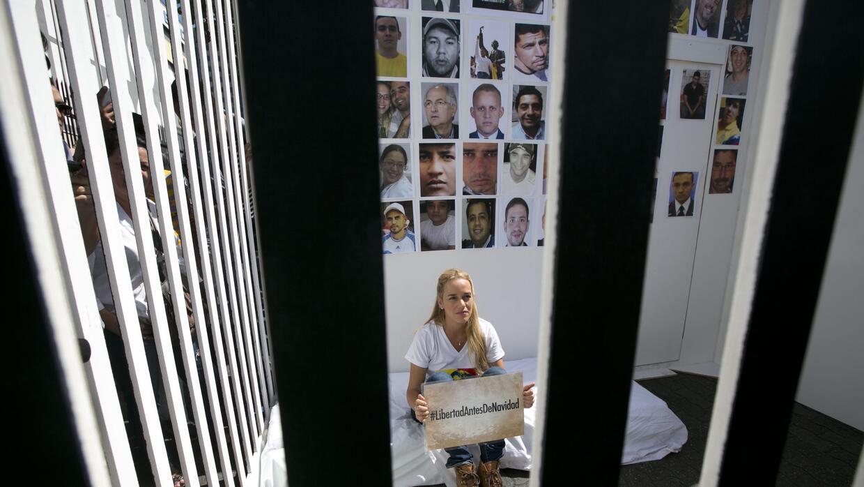 Lilian Tintori se encerró en una celda de cartón