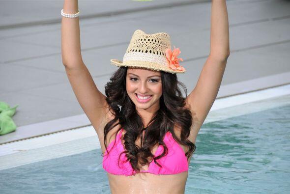 Naomi es modelo y ha sido reina de varios concursos.