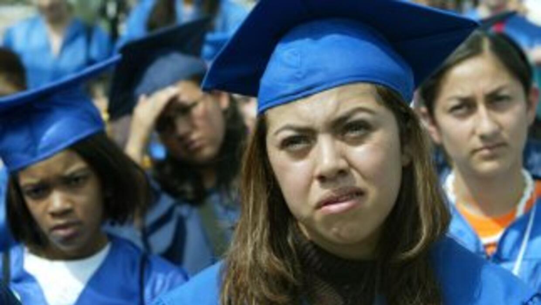Unos 65 mil estudiantes indocumentados cada año se gradúan de la secunda...