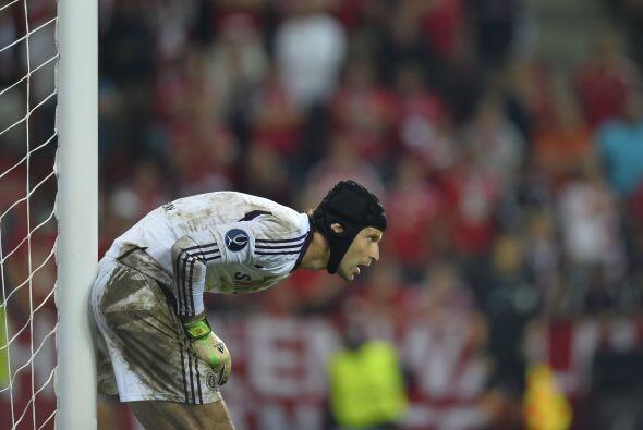 Peter Cech salvó a su equipo con 5 paradas increíbles en esos últimos mi...