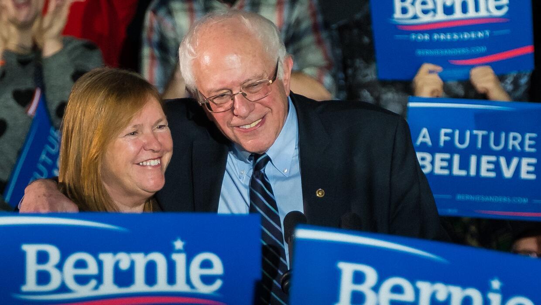 Bernie Sanders y su esposa Jane en Des Moines