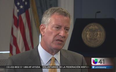 Alcalde Bill de Blasio mantiene alerta por la amenaza del zika