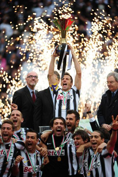 Juventus por fin recibió el trofeo que le acredita como el monarc...