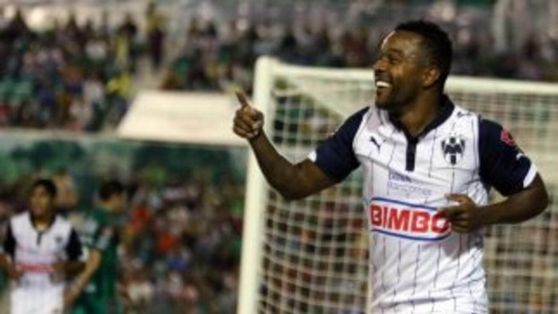 Dorlan Pabón hizo los dos goles con los que Rayados vencieron a Jaguares.