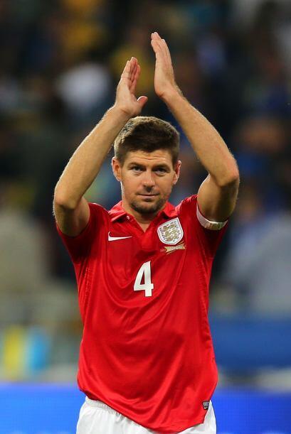 Gerrard tiene una pegada impresionante de media distancia y lo mismo def...