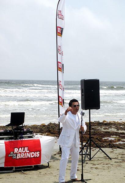 ¡Playa, sol, arena y a votar! Así se grabó el video para apoyar a Raul B...