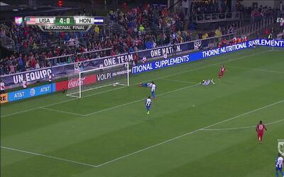 Clint Dempsey marcó la 'manita' de goles ante Honduras